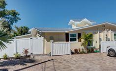 Holmes Beach Vacation Rental - Coconut Cottage Unit 2
