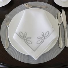 MHLinen specializes in Custom Embroidered Fine and Luxury bed, bath, and table linens. Embroidery Monogram, Modern Embroidery, Monogrammed Napkins, Creative Icon, Table Linens, Luxury Bedding, Tablescapes, Dinnerware, Wedding Venues