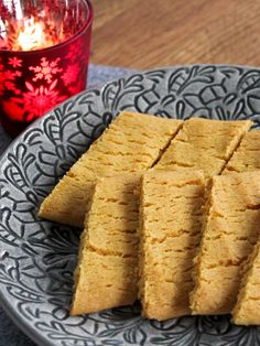 Saffranssnittar. Saffron cookies. Simple Snowflake, Snowflake Craft, Kitchen Stories, Beignets, Cornbread, Vegetarian Recipes, December, Cookies, Dinner