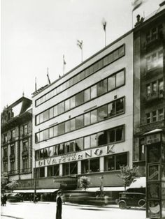Kozma Lajos, Bp. VII. Rákóczi út. 72-76. Magyar Divatcsarnok Áruház Bauhaus, Budapest Hungary, Old Photos, Old School, Multi Story Building, Art Deco, Exterior, Architecture, Budapest