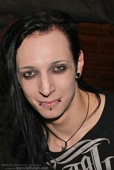 Gared Dirge Lord of the Lost love him ♥ and his lip piercings