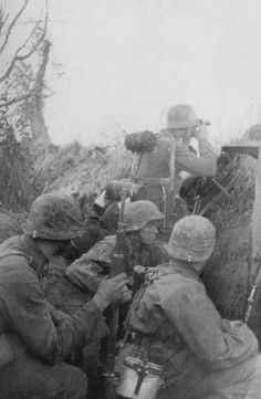 Soldiers of the 3rd SS Panzer Division Totenkopf