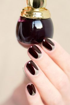 18 Chic Nail Designs for Short Nails More Great ready to book your next manicure, because this nail Chic Nail Designs, Elegant Nail Designs, Winter Nail Designs, Short Nail Designs, Chic Nails, Trendy Nails, Red And Gold Nails, Burgundy Nail Art, Black Nail