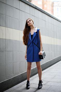 Tina Sizonova / Baby, you're blue //  #Fashion, #FashionBlog, #FashionBlogger, #Ootd, #OutfitOfTheDay, #Style