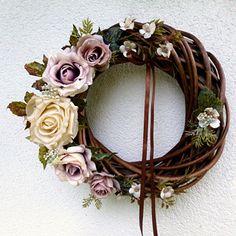 Věnec v kávových odstínech Summer Wreath, Grapevine Wreath, Grape Vines, Wreaths, Home Decor, Decoration Home, Door Wreaths, Room Decor, Vineyard Vines