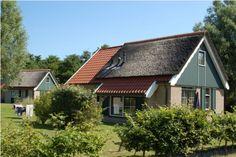 Dit knusse vakantiehuis is gelegen in het gezellige dorpje de Koog op Texel. Het vakantiehuis is geschikt voor maximaal zes personen. http://www.heerlijkehuisjes.nl/nl/vakantiehuizen-waddeneilanden