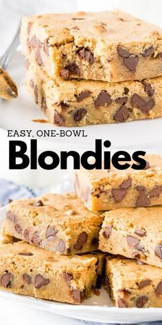 This easy blondie recipe makes bars that are chewy a little fudgy and completely addictive. You can add in chocolate chips M&Ms walnuts or. Oreo Dessert, Dessert Dips, Coconut Dessert, Quick Dessert Recipes, Fun Desserts, Sweet Recipes, Delicious Desserts, Easy Dessert Bars, Recipes Dinner