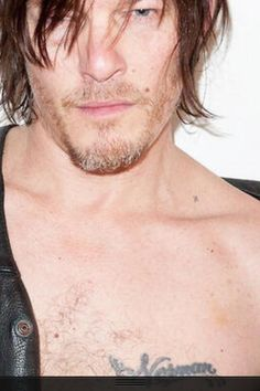 *sigh* the sight of his collarbone does strange things to me