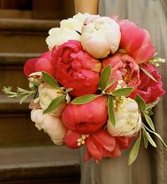 Coral peony bouqet