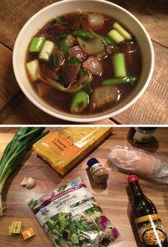 Deze Oosterse soep met kip en groenten valt onder onze snelle recepten omdat het in maar liefst 20 minuten klaar is. Kijk voor het recept op de website.