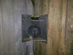 Log Cabin Country Primitives....nice prim corner shelf....