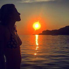 #ElisabettaPellini Elisabetta Pellini: #SUNSET #Lovely Che sensibilità il sole: arrossire tutte le sere al momento di tramontare. (Fabrizio Caramagna)