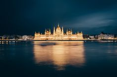 The Hungarian Parliament Building and its golden reflection in the Danube [1024×683] Photographed by Simon Alexander