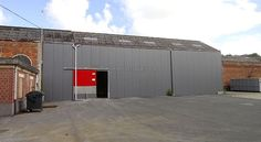 A louer - Aux portes de Gembloux et à deux pas de la gare, excellent entrepôt de +/- 260m² - GEMBLOUX - IMMO VILLAGES S.A.