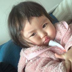 Cute Asian Babies, Korean Babies, Asian Kids, Cute Babies, Cute Little Baby, Little Babies, Cute Toddlers, Cute Kids, Cute Baby Girl Pictures