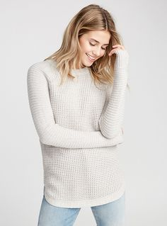Women > Sweaters & Cardigans Waffle-knit long sweater Twik Twik exclusive What's better than slipping on a comfy knit piece for the new season? Ribbed edging Rounded hem The model is wearing size small Light Grey Warm Sweaters, Cute Sweaters, Long Sweaters, Sweaters For Women, Pull Beige, Pull Gris, Waffle Knit, Pulls, Boyfriend Jeans