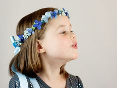 Bulle: Floral crown for child in blue