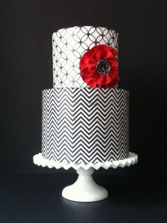 Black & white cake with chevron & geometric patterns - http://heytherecupcake.com