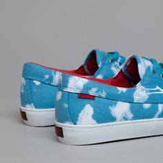 http://thehypebr.com/2013/07/19/lakai-x-the-quiet-life-cloud-print/