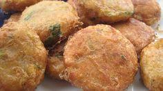 Kelembutan kentang berpadu sempurna bersama kornet. Rempah-rempah khas Indonesia juga akan menambah cita rasa perkedel ini menjadi lebih lezat.