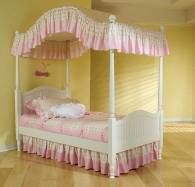 Little Girls Canopy Bed Looking For The Canopy
