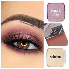 Maskcara Makeup, Maskcara Beauty, Makeup Tips, Eyeshadow For Blue Eyes, Eyeshadow Looks, Pretty Eye Makeup, Simple Makeup, Beauty Secrets, Beauty Hacks