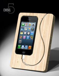 Primavera limpiar su escritorio - Chisel iPhone 5 Dock | Selecciones mamá fresca