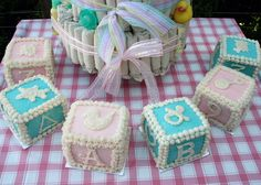 block cakes feel vintage baby shower menu | Casa Figheire: senza data, sposerecce, sposate e mamme - Forum ...