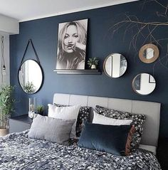 Getting the Best Bedroom Paint Colors &; pecansthomedecor Getting the Best Bedroom Paint Colors &; Living Room Green, Living Room Decor, Decor Room, Living Rooms, Blue Master Bedroom, Navy Bedroom Walls, Navy Blue Bedrooms, Navy Bedroom Decor, Navy Walls