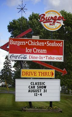 Burger Boy in Caribou, Maine. Burgers made with freshly-ground beef and fries made from Aroostook County potatoes. Still operating to this day! Places To Eat, Great Places, Caribou Maine, Strategic Air Command, Maine New England, Old And New, Old Things, Vacation, Ground Beef