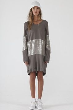 Zambesi sweater dress with metallic silver Fashion 2017, High Fashion, Winter Fashion, Fashion Trends, Pretty Outfits, Pretty Clothes, Best Model, Get Dressed, What To Wear