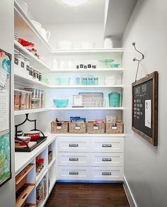 Pantry goals!...Tag a friend who would love this too!... credi