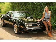 Pontiac Trans Am. The gal ain't bad, either! Pontiac Models, Pontiac Cars, Sexy Cars, Hot Cars, Smokey And The Bandit, Pontiac Firebird Trans Am, Gm Car, Hot Rides, American Muscle Cars