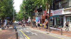 From buying cosmetics at Myeongdong to café-hopping at Garosu-gil, here are the things you MUST do when in Seoul for the first time.