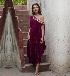 Trending Velvet Outfits For Brides Which Are Not Lehengas! Trending Velvet Outfits For Brides Which Are Not Lehengas! Party Wear Dresses, Dress Outfits, Fashion Dresses, Wedding Dresses, Mehendi Outfits, Bridal Outfits, Indian Designer Outfits, Designer Dresses, Indian Fashion Trends