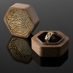 Carved Wood Sculptures by Phil Young Appear to Stretch, Twist, and Tear Within Metal Armatures walnut gold Jewellery Boxes, Jewellery Display, Jewelery, Mom Jewelry, Jewelry Shop, Jewelry Design, Wooden Jewelry, Metal Jewelry, Silver Jewelry