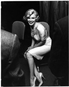 Marilyn in Chicago during the Some Like It Hot roadshow, 1959. Photo by Manfred Kreiner.