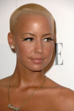 When you see a beautiful woman with a bald head smile at her she blonde and bald amber rose i loved it when my hair was this short i should have bleached my peach fuzz then i will def do this when i shave my head urmus Images