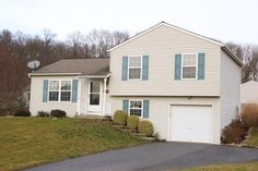 OPEN HOUSE: This Sunday (1/29/2017) from 1p-3p at 108 Skip Jack Way in Bainbridge, PA. Come see this immaculately kept split level home. 3 Bedrooms, 1.5 bathrooms with finished lower level and a 2nd lower level waiting to be finished. 1 car garage and spacious rooms.