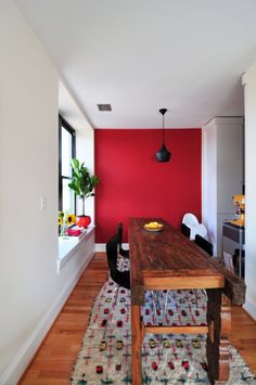 Alexandra & Mike's Bright and Colorful Family Nest - what to do with a narrow dining space. (apt therapy)
