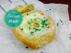 Omelette im Brötchen - Rezept von Joes Cucina Verde Baked Potato, Camembert Cheese, Potatoes, Baking, Up, Ethnic Recipes, Omelette, Food, Hams
