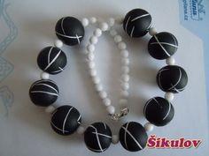 Černé korále s bílými čárkami doplněny bílými korálky. Bracelets, Jewelry, Fimo, Bangles, Jewlery, Jewels, Bracelet, Jewerly, Jewelery
