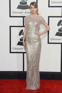 Taylor Swift at the 2014 Grammys #metallic vestido Gucci