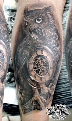 Búho con Reloj, Tattoo sombras.  Tatuaje realizado por Héctor León para Bich Tattoo
