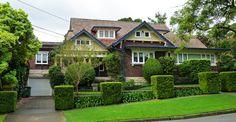 Obtenir un look classique pour votre toit avec panneau Tuiles