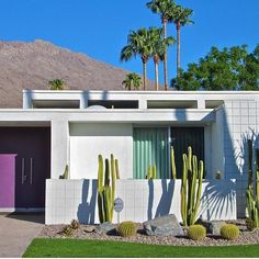 """Mid-Century Home on Instagram: """"We can't get enough of Palm Springs! Architect William Krisel circa 1968. #regram via @modtraveler ♂️ We love to host friends in our homes…"""""""
