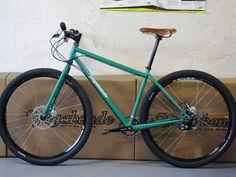 VTT 29er by vagabondecycles, via Flickr Hardtail Mtb, Hardtail Mountain Bike, Mountain Biking, Single Speed Mountain Bike, Urban Bike, Fat Bike, Bike Art, Bicycle Design, Bike Trails