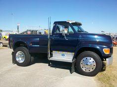 Someone has done a beautiful job customizing this 1995 Ford Cool Trucks, Big Trucks, Chevy Trucks, Pickup Trucks, Huge Truck, Ford, Make Money Online, How To Make Money, Shop Truck