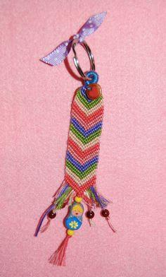 Llavero handmade matrioska, detalles barnizados y hechos con barro.