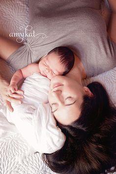 newborn photo ~ mommy-baby photo, so sweet!